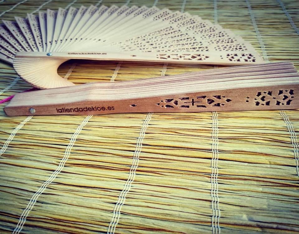 abanico madera personalizado para bodas