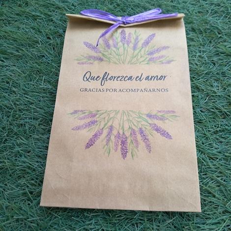 sobre con semillas para bodas