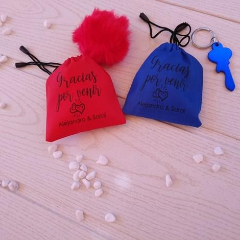detalles de boda originales en bolsas de colores